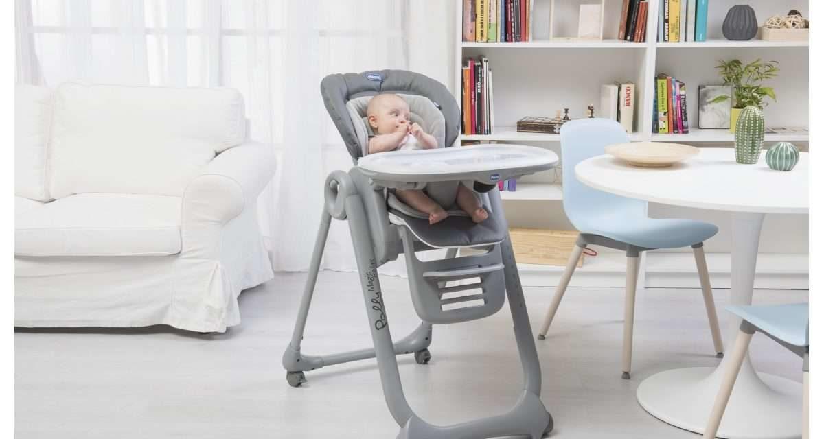 Le repas de bébé : siège de table ou chaise haute ?