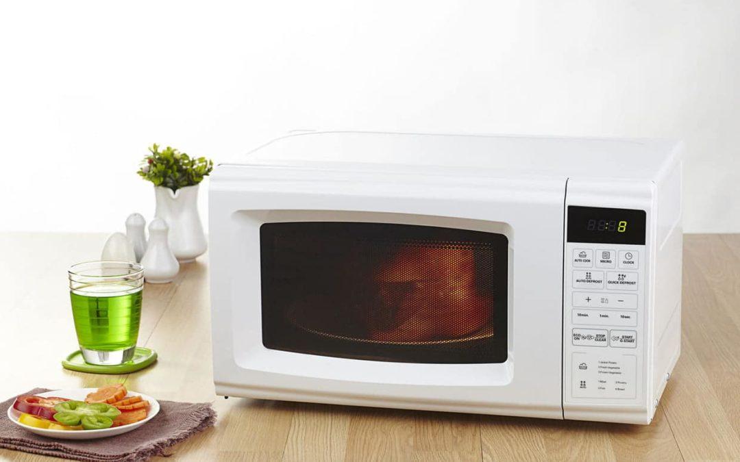 Comment cuisiner au four à micro-onde ? (recettes incluses)
